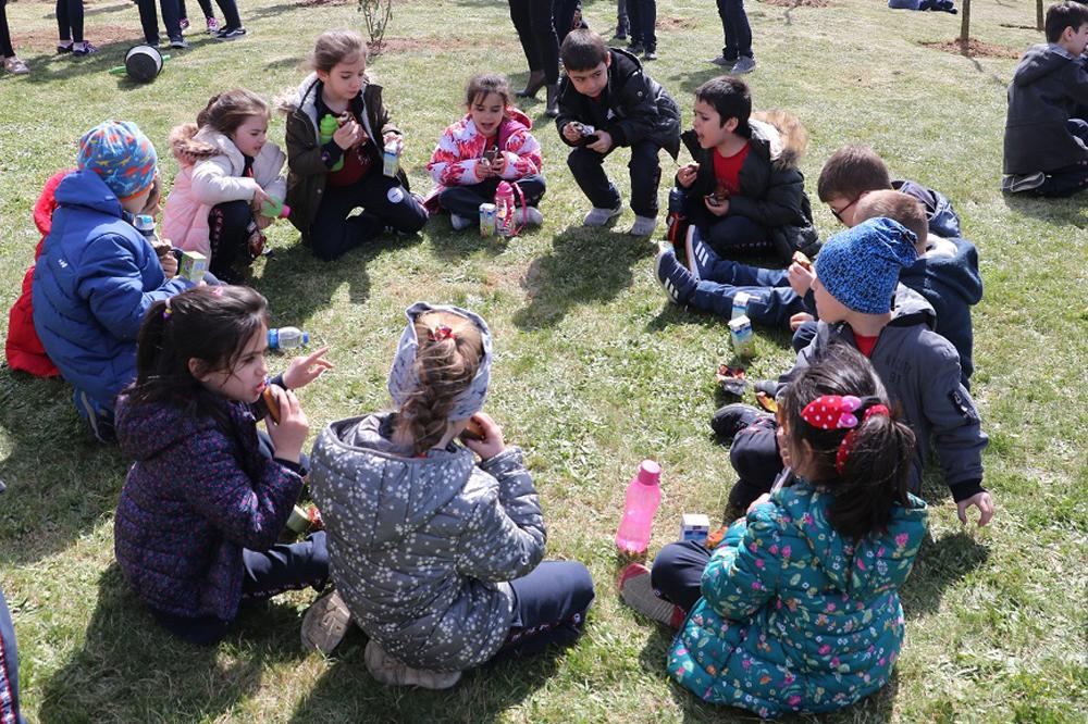 ORMAN HAFTASI'NDA, FİNAL OKULLARI ÖĞRENCİLERİYLE BİRLİKTE  BÖLGEYE FİDAN DİKİLDİ